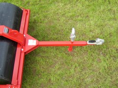 Ball hitch and eye hitch as standard on grass rollers